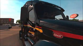 Jim Palmer Peterbilt truck close-up