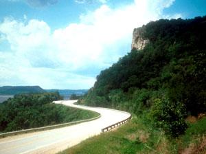 great_river_road.jpg