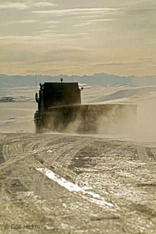 truck_icy_road.jpg